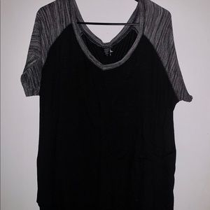 TORRID 3x Black and Grey Ragland T-Shirt